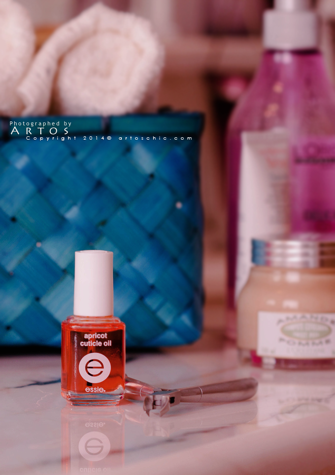 Essie-Apricot-Cuticle-Oil