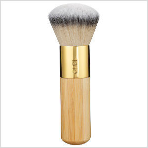 Airbrush-Finish-Bamboo-Foundation-Brush-tarte