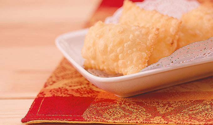 slid-cheese-samosas