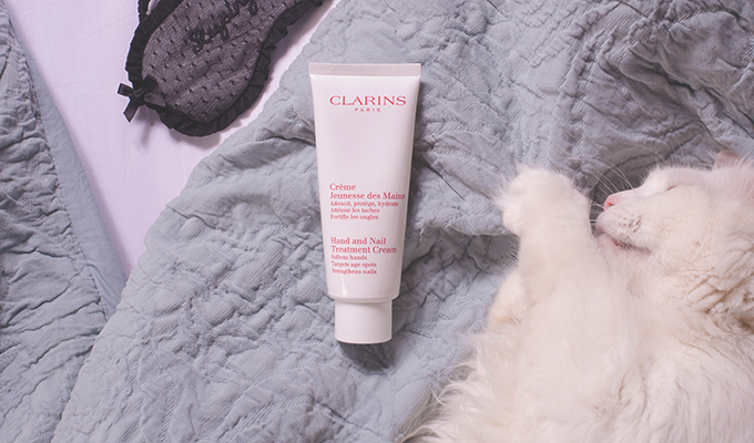 slid-Clarins-Hand-and-Nail-Treatment-Cream
