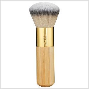Airbrush-Finish-Bamboo-Foundation-Brush-tarte