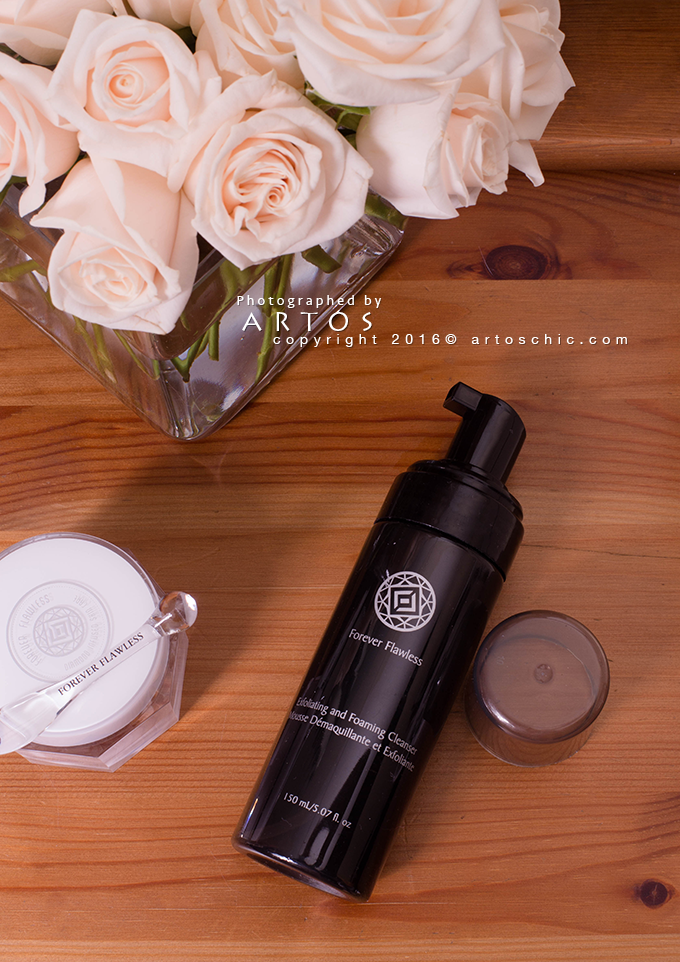 Forever-Flawless-Diamond-Infused-Exfoliating-&-Foaming-Cleanser-